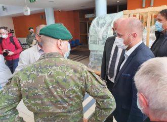 Ústredná vojenská nemocnica v Ružomberku spustila vo vlastnej réžii testovanie na ochorenie COVID-19