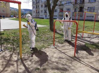 V Kysuckom Novom Meste dezinfikovali verejné priestranstvá i polikliniku