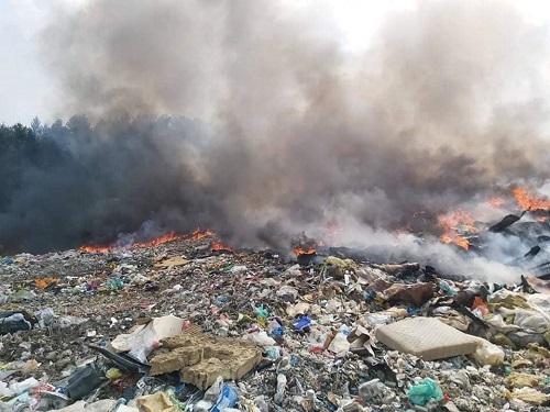 Cez víkend horela v Šuji skládka komunálneho odpadu