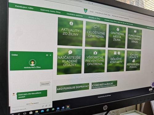 Mesto spúšťa online chat, pomôcť má najmä sluchovo postihnutým občanom