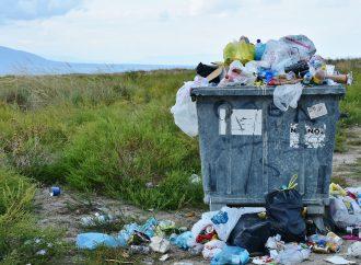Nekráčaj odpadom a vyčisti s nami kraj