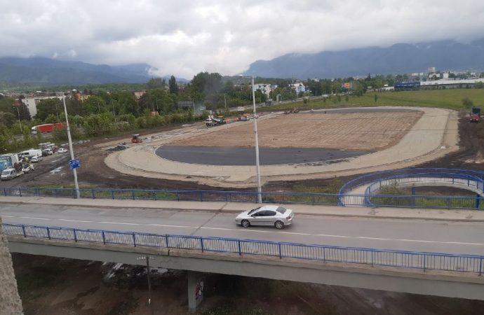 Výstavba atletického štadióna v Martine napreduje