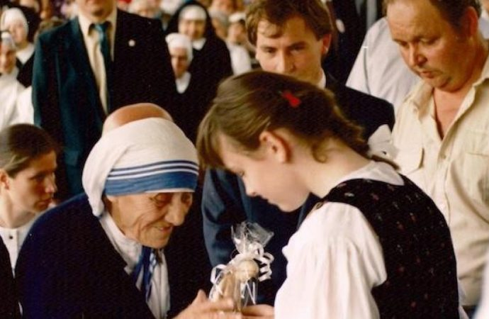 Pred 30 rokmi navštívila Čadcu Matka Tereza