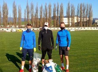Hráči FK Rajec odbremenili prírodu od odpadkov. Vyzývajú aj ostatných
