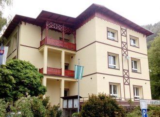 Budova obecného úradu znovu krášli Ľubochňu