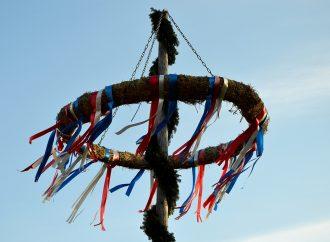 V Rajeckej Lesnej postavili 1. máj za prísnych opatrení