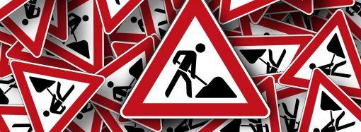 Polícia upozorňuje na čiastočnú uzávierku cesty v katastri obce Svrčinovec