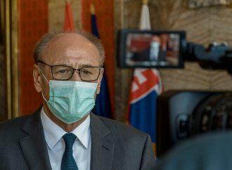 Poslanci Klubu primátora v Ružomberku urobili zbierku pre ľudí, ktorí sú zasiahnutí koronakrízou