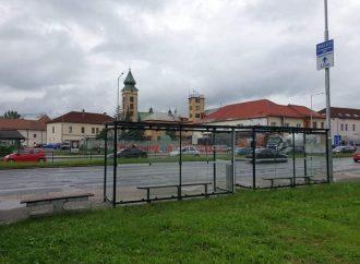 Na frekventovanej zastávke v Liptovskom Mikuláši pribudol autobusový prístrešok