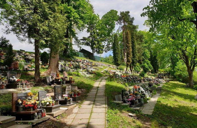 Na cintoríne v Liptovskom Hrádku dobudujú urnové miesta