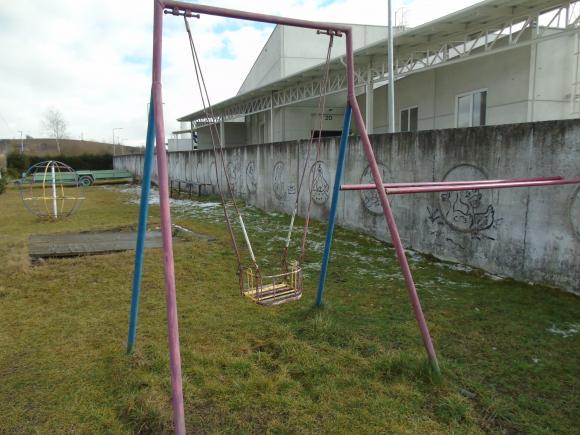 Mesto Trstená opravuje detské ihriská
