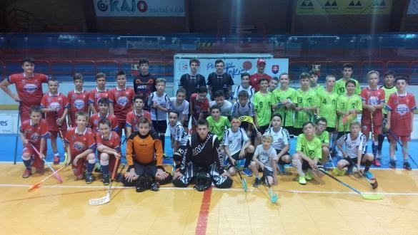 V Dolnom Kubíne bojovali o pohár Olympijského klubu ORAVA vo florbale žiakov