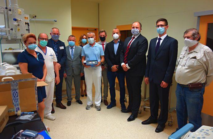 Univerzitná nemocnica Martin dostala vysokofrekvenčný pľúcny ventilátor