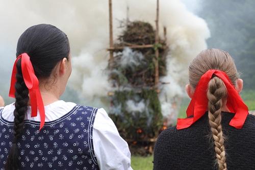 TV SEVERKA – Svätojánska vatra v obci Rudinská
