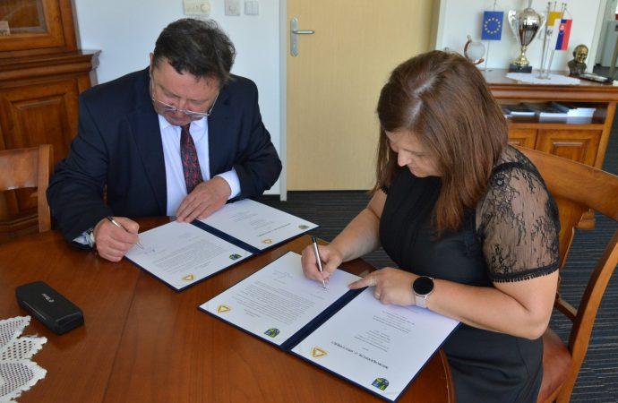 Katolícka univerzita a Žilinský samosprávny kraj podpísali Memorandum o spolupráci