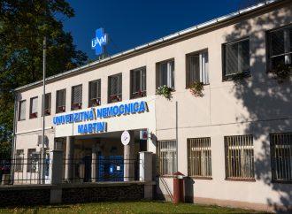 Martinská nemocnica naďalej prijíma pacientov s ochorením COVID-19