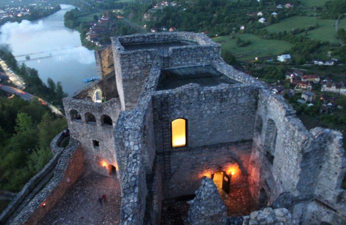 Večerná zážitková prehliadka hradu Strečno