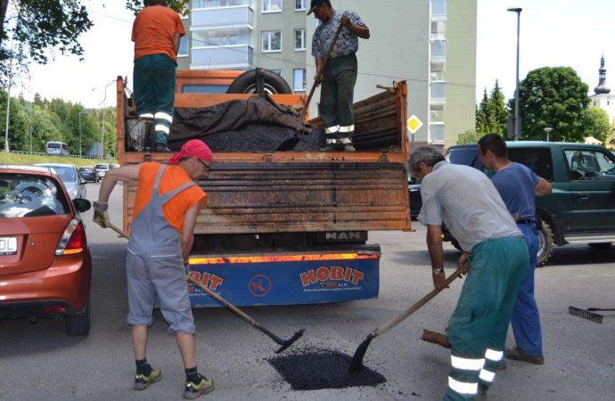 V Turzovke prebehla oprava výtlkov na miestnych komunikáciách