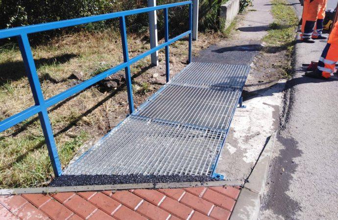 Mesto Liptovský Mikuláš zrealizovalo nový oceľový nábeh na chodník na moste ponad Demänovku