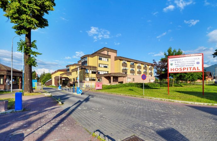 V Liptovskej nemocnici s poliklinikou v Liptovskom Mikuláši platí zákaz návštev