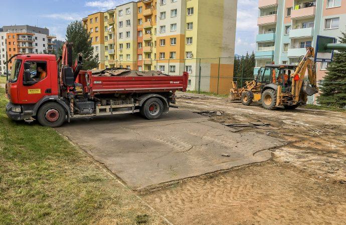 Obyvateľom dolnokubínskej ulice Nemocničná zrekonštruujú športovisko