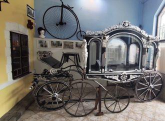 V Múzeu dopravy vystavili pohrebný koč
