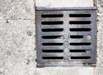 V Považskom Chlmci pokračujú od 2.11. do 8. 11. práce na budovaní splaškovej kanalizácie