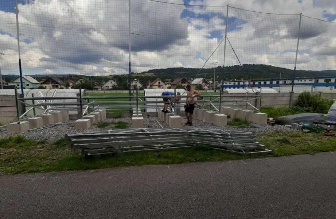V Krásne nad Kysuou čaká na divákov nová športová tribúna