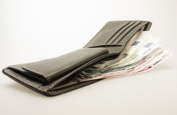 Policajti zNámestova objasnili prípad zabudnutej peňaženky