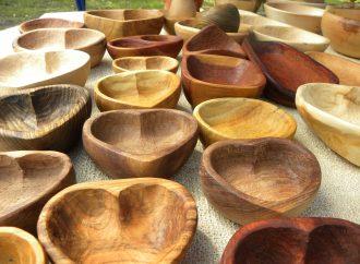 Ako sa v minulosti vyrábal tradičný štiepaný šindel? Aj to sa dozviete na Dni dreva v Múzeu kysuckej dediny