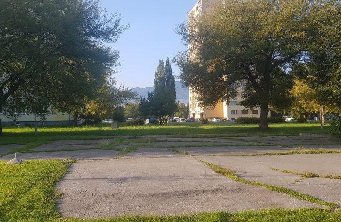 Mesto Liptovský Mikuláš začína s revitalizáciou vnútrobloku na Nábreží Dr. A. Stodolu