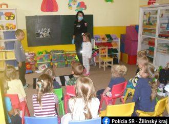 Deti z Materskej školy v Smrečanoch sa venovali výučbe dopravných pravidiel