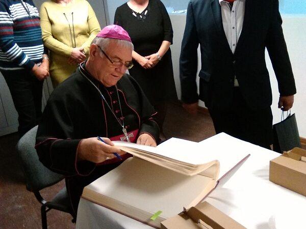 Olešnú navštívil žilinský diecézny biskup, čakal ho bohatý program
