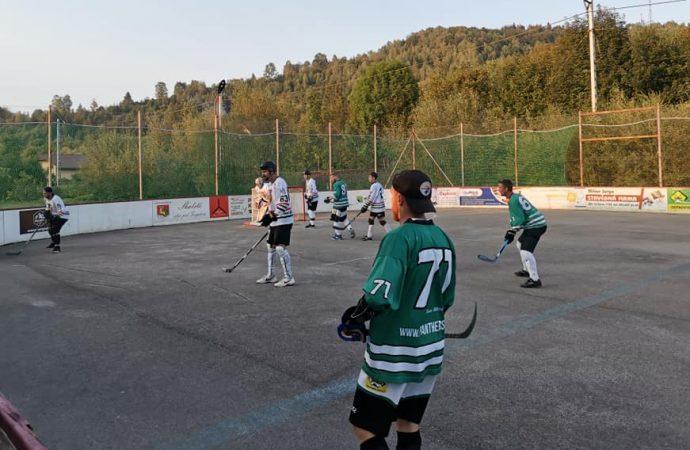 Ako dopadol XIV. Hokejbalový turnaj o pohár starostu obce Skalité? Pozrite si výsledky
