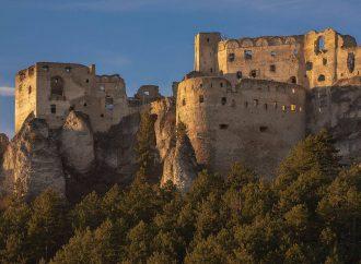 Ako vyzerajú práce na obnove hradu Lietava? Pozrite si fotografie a video