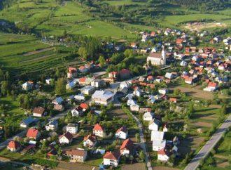 Obec Stará Bystrica žiada vyparkovať autá pri cintoríne