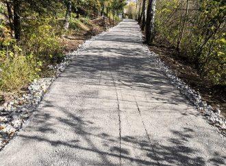 Mesto Trstená informuje o novej obchádzkovej trase pre peších v súvislosti s prebiehajúcou rekonštrukciou mosta