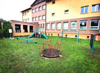 V centre obce Skalité vzniklo nové detské ihrisko