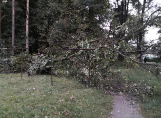 Víkendový vietor v Liptovskom Hrádku narobil škody