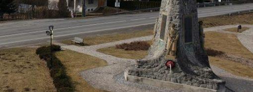 Pomník Pod skalkou v Liptovskom Hrádku prejde obnovou