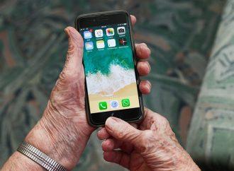 V obci Petrovice zriadili telefónnu linku pre seniorov za účelom objednania si potrebných tovarov