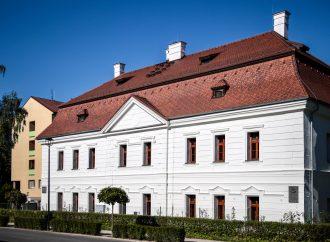 Historická budova Strednej odbornej školy lesníckej a drevárskej v Liptovskom Hrádku prešla stavebnými úpravami