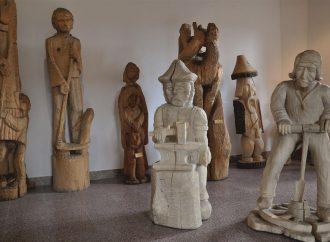 V obci Babín sa nachádza jedinečná Galéria ľudového rezbárstva