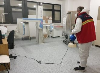 ČlenoviaOravského záchranného systému bezplatne vydezinfikovali priestory Liptovskej nemocnice