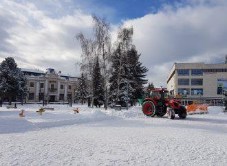 Pre výkon zimnej údržby má mesto Liptovský Mikuláš k dispozícii 27 mechanizmov
