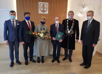 Profesor Ľubomír Lisý si prevzal Čestné občianstvo mesta Liptovský Mikuláš