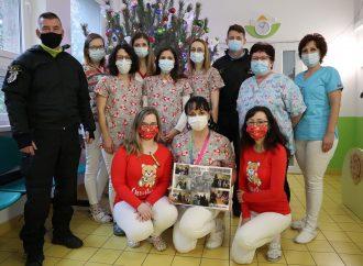 Pediatrické oddelenie žilinskej nemocnice ďakuje príslušníkom policajného zboru