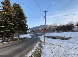V obci Vysoká nad Kysucou boli osadené merače rýchlosti vozidiel
