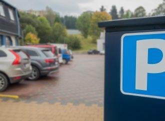 Dolnokubínska samospráva dočasne ruší platené parkovanie v meste