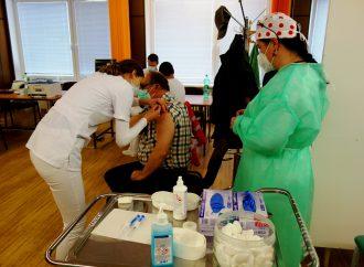 V martinskej nemocnici dostali vakcínu prví zdravotníci